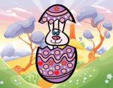 Conejito en un huevo de pascua