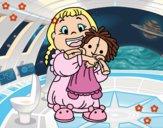 Niña con su muñeca