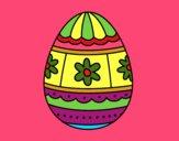 Huevo de Pascua con decoraciones