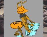Hormiga recliclando