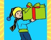 Niño con un enorme regalo