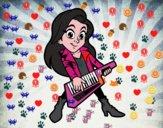 Chica tocando el keytar