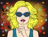 Chica con gafas de sol
